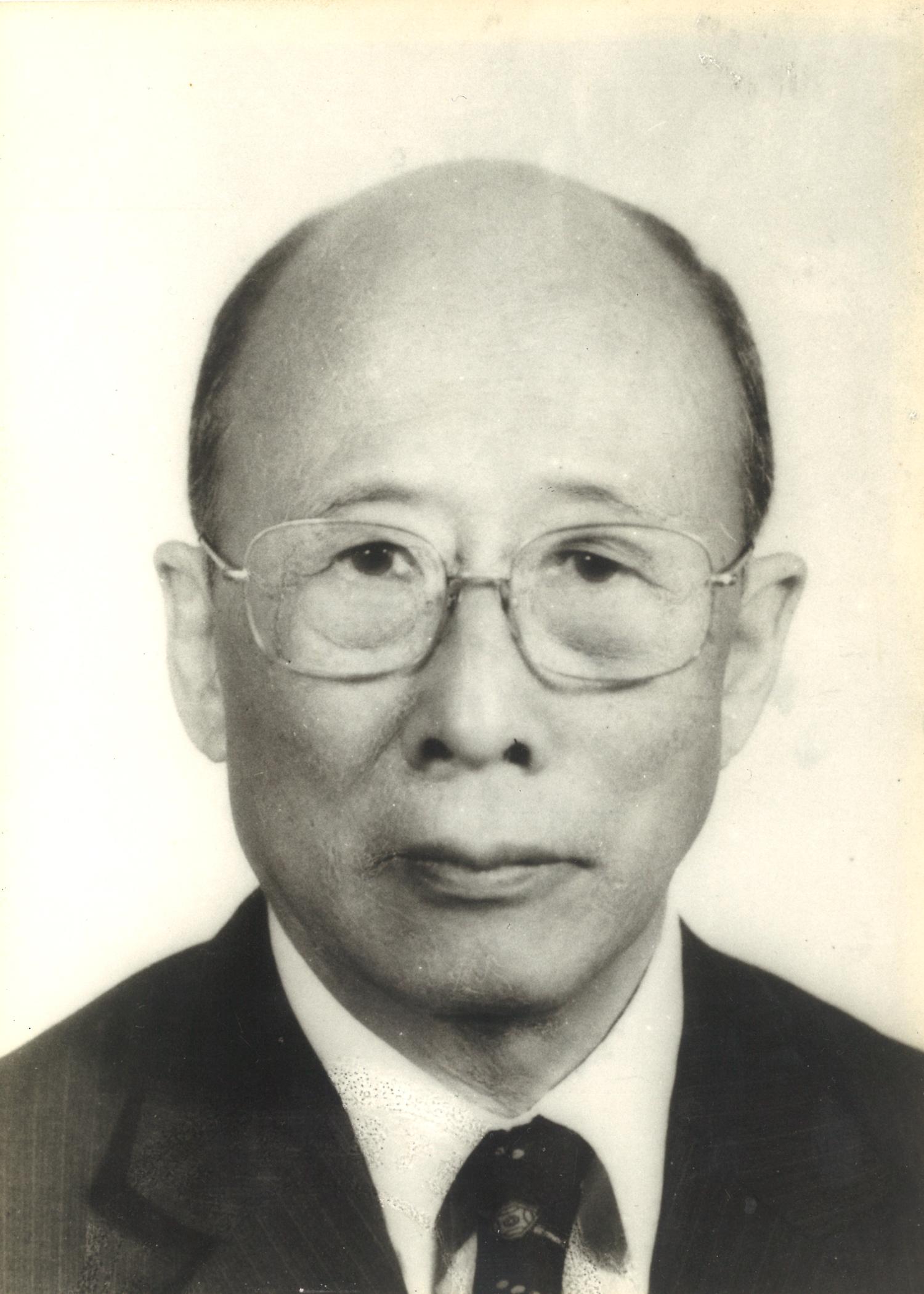 CH Lam photo 2.jpg