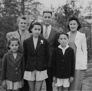 Tu family, 1943