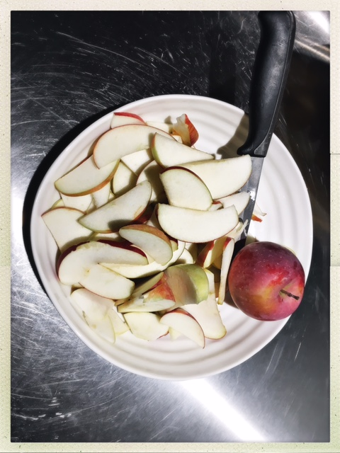 sliced apples.JPG