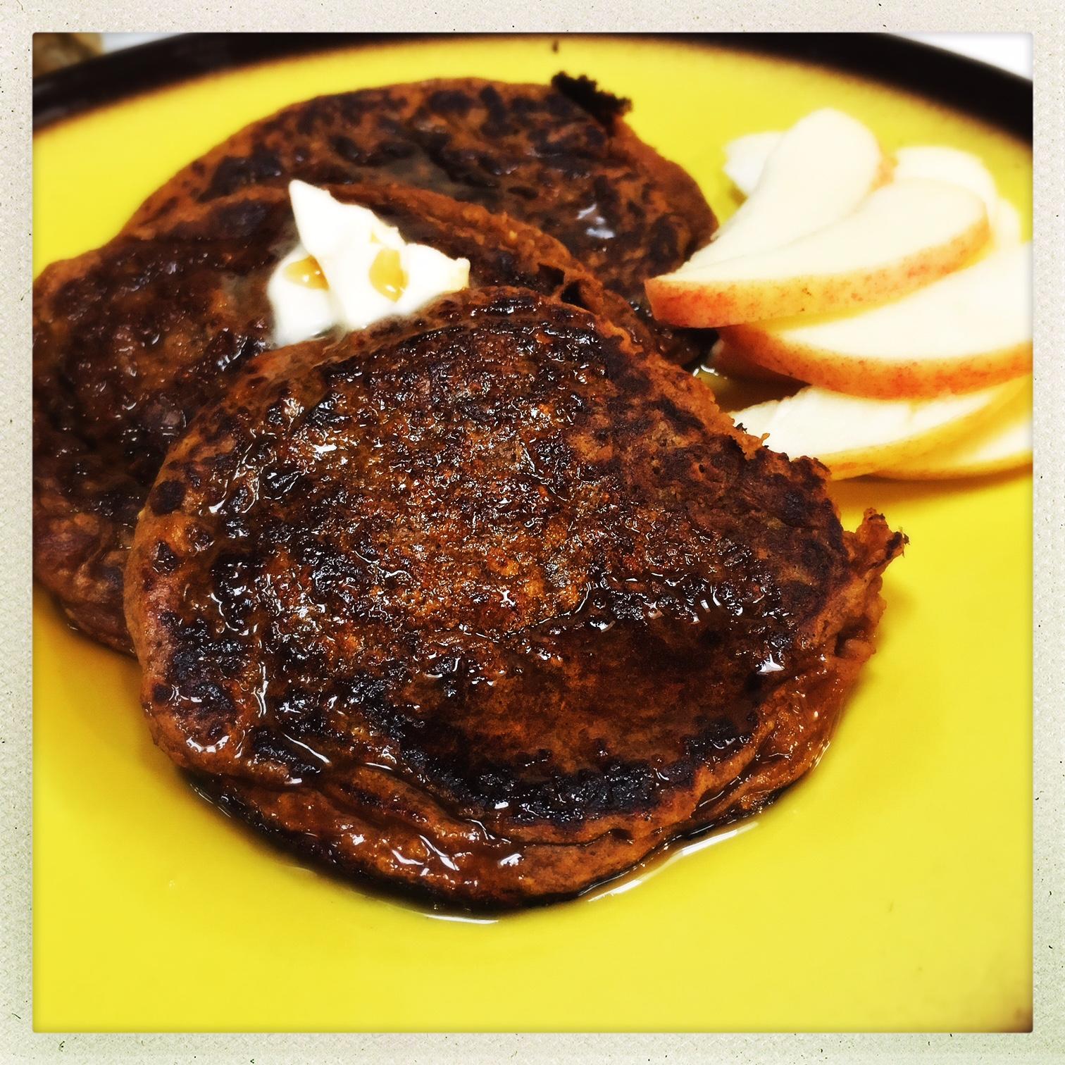 pumpkin pie protein pancakes4.jpg