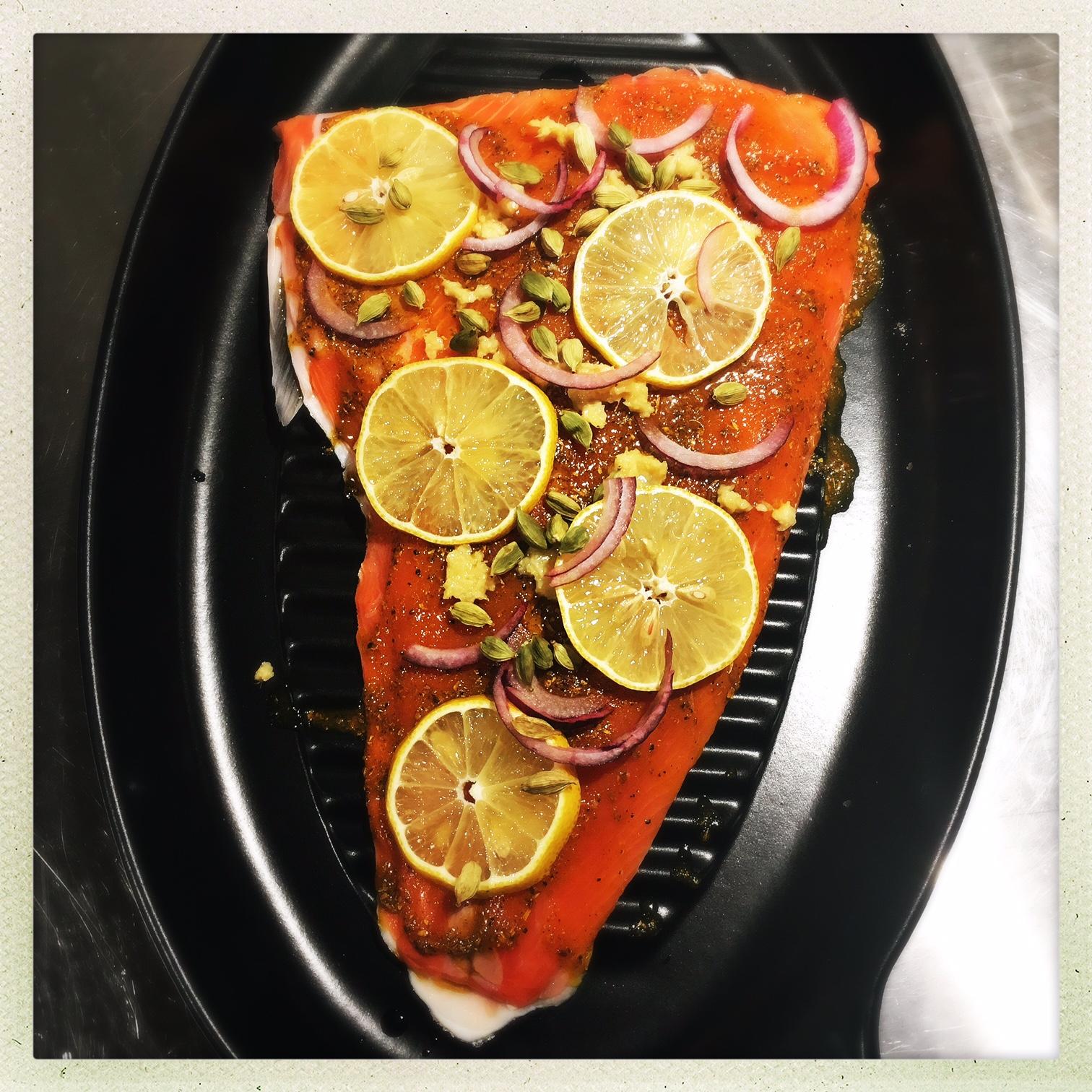 salmon with lemon rings.jpg