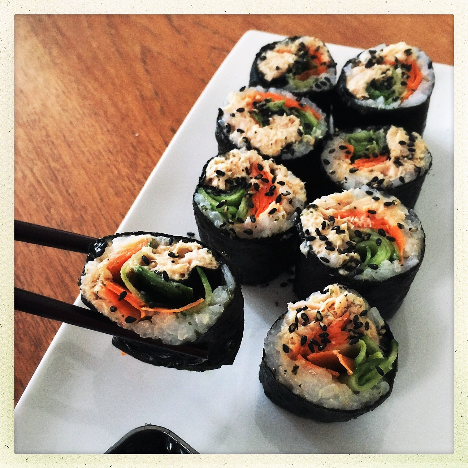 clean spicy tuna sushi rolls 6.jpg