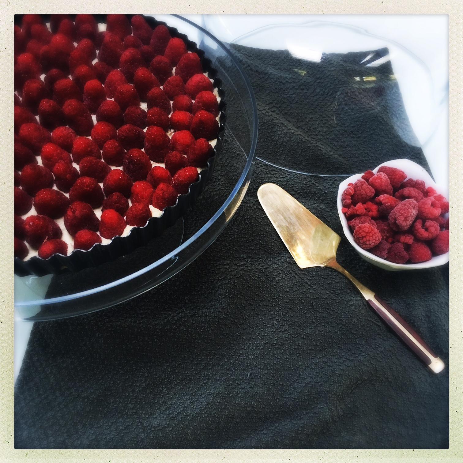 raw vegan raspberry cheesecake tart  5.jpg