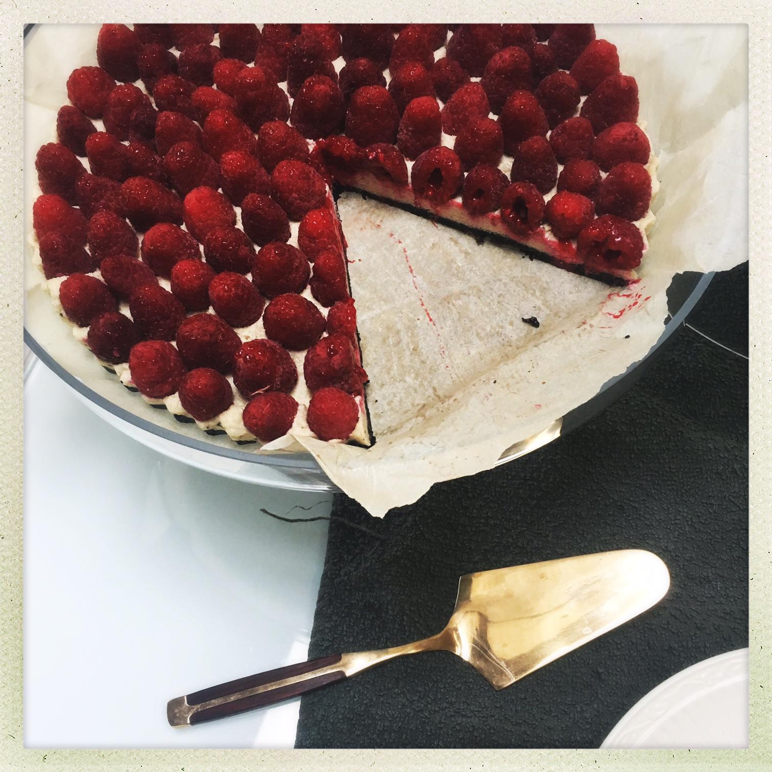 raw vegan raspberry cheesecake tart  14.jpg