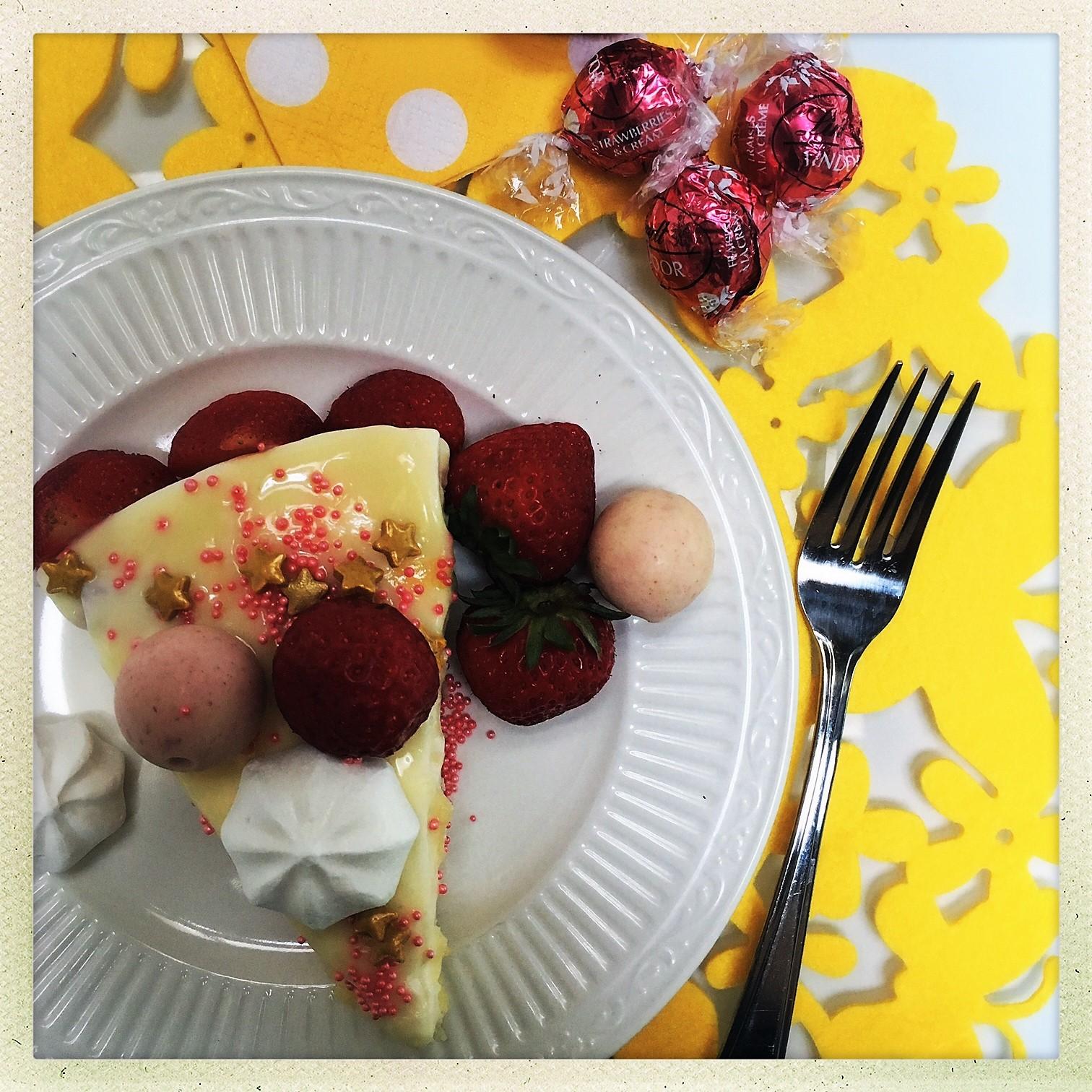 stawberry shortcake cheesecake 12.jpg