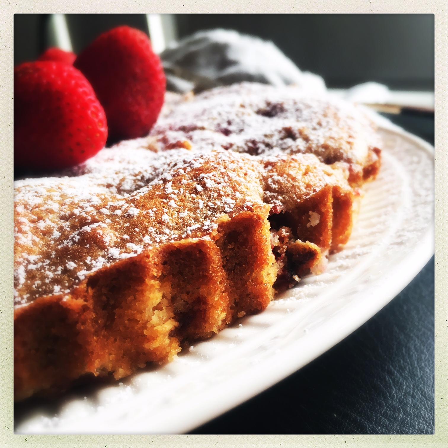 strawberry butter cake  5.jpg
