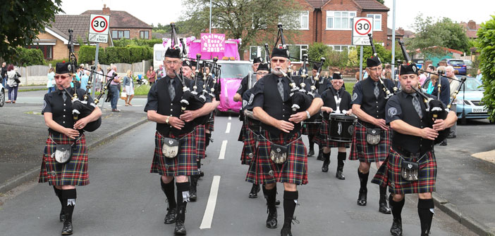 Thelwall Rose Queen parade 2016.jpg