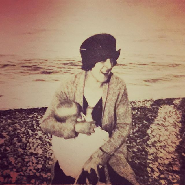 This is my Father ❤️in the 1930's at the breast of his Mother my Nanny. There's a story in my family that she fostered and breastfed many many babies who had lost their mothers in the bombings during the war.  Her blood runs through me as her milk flowed through him and now through his grandchild on to his great grandchildren . #worldbreastfeedingweek #mothersmilk #puregold #breastfeedingsupport #womensbodies #womenschoice #doula #postnataldoula #breastfeeding #needssupport #ancestors #theolddays #1930s