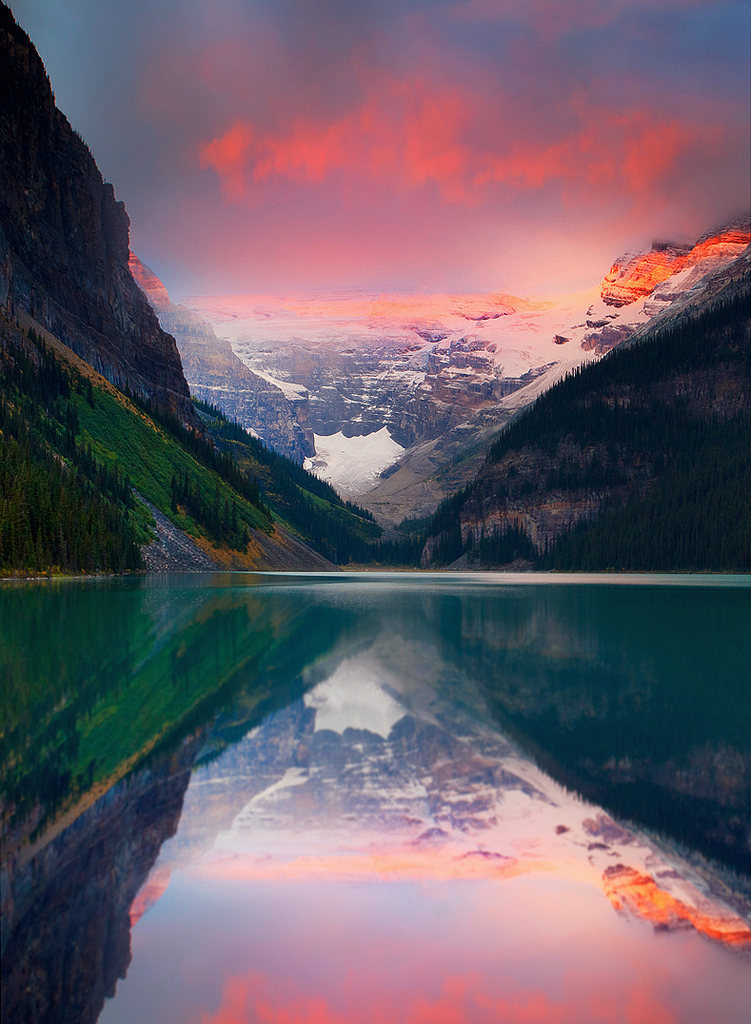 drxgonfly :   Lake Louise Banff National Park (by  kevin mcneal )