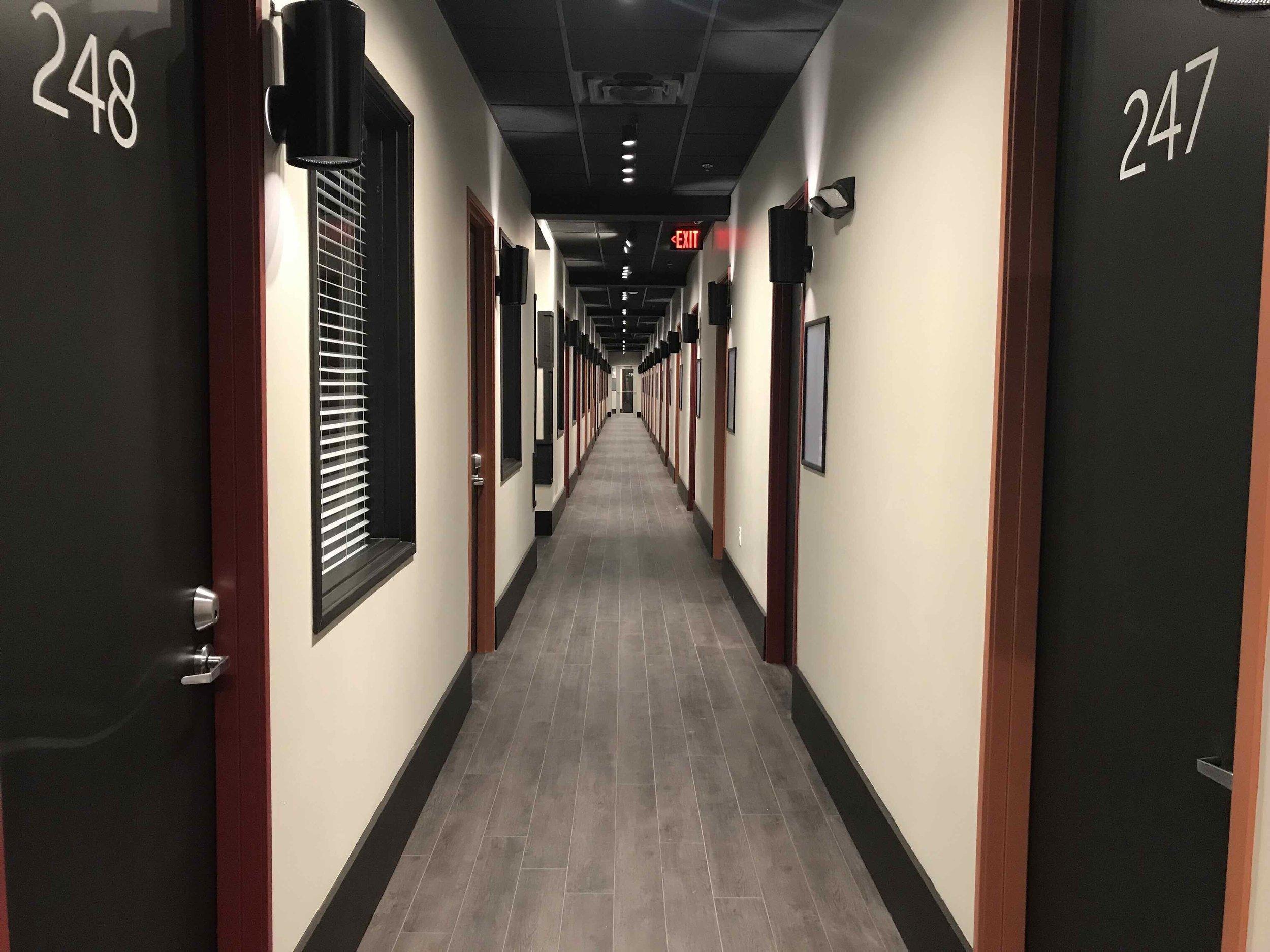 2019-05-hallway.jpeg