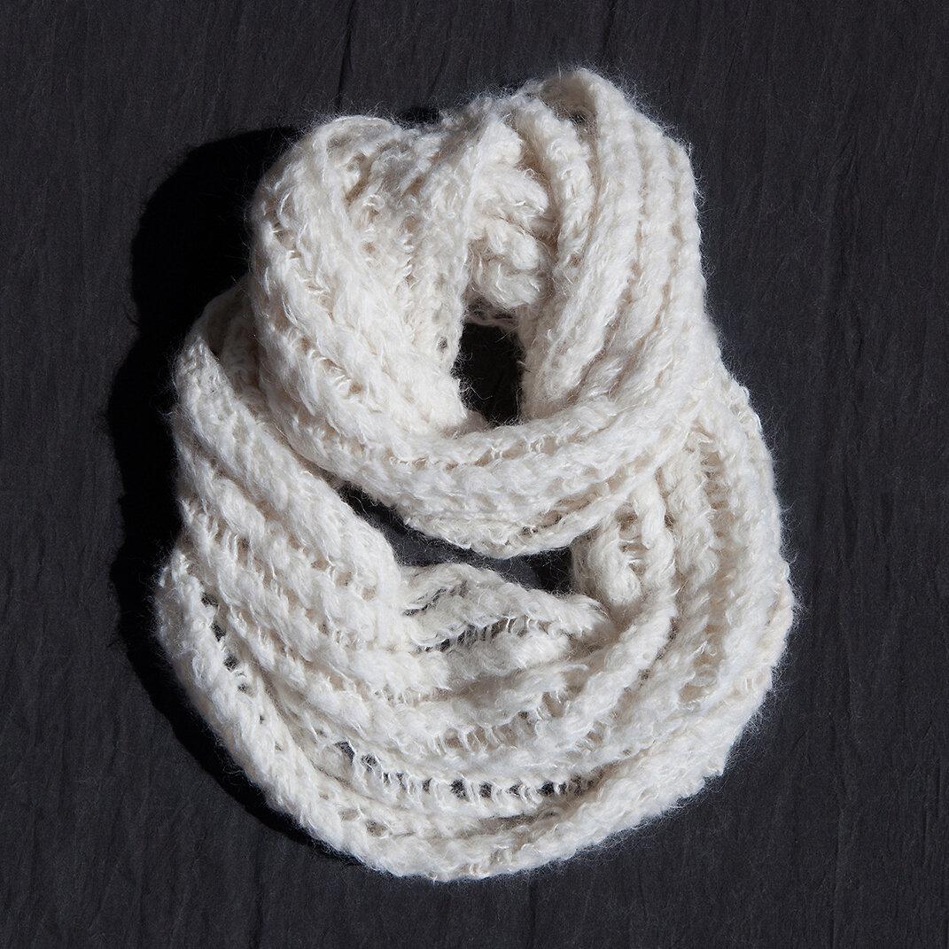 lana_scarf_a.jpg