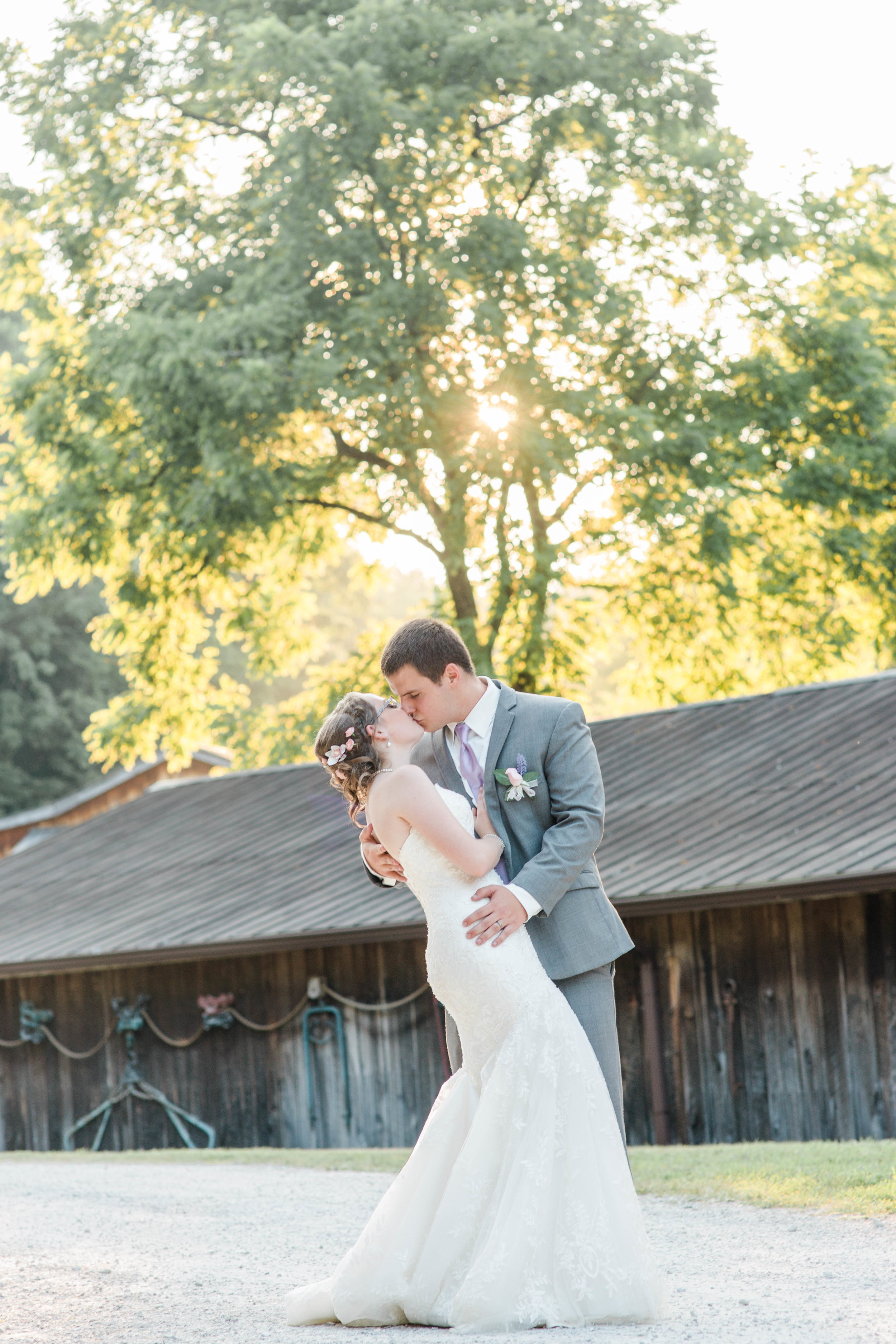 Taylor_Austin_Heritage_Farm_Wedding_Kara_Blakeman_Photography_2018-0541.jpg