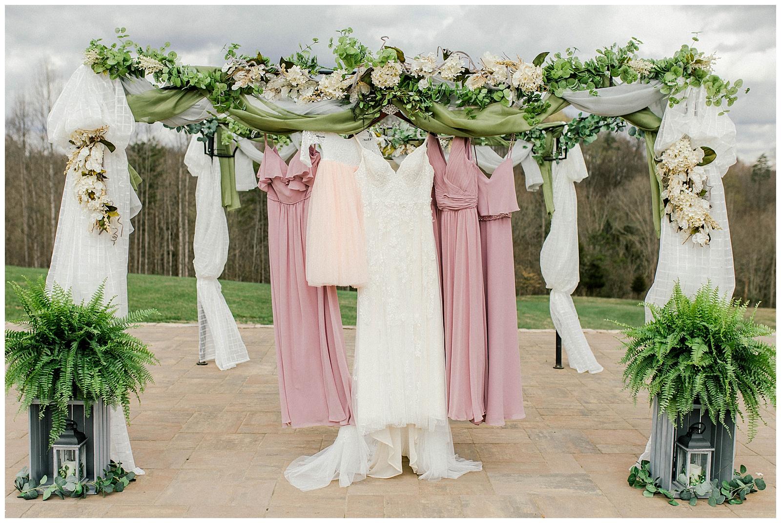 Lewis-Kara-Blakeman-Photography-Huntington-West-Virginia-Wedding-Barn-Olde-Homestead-6