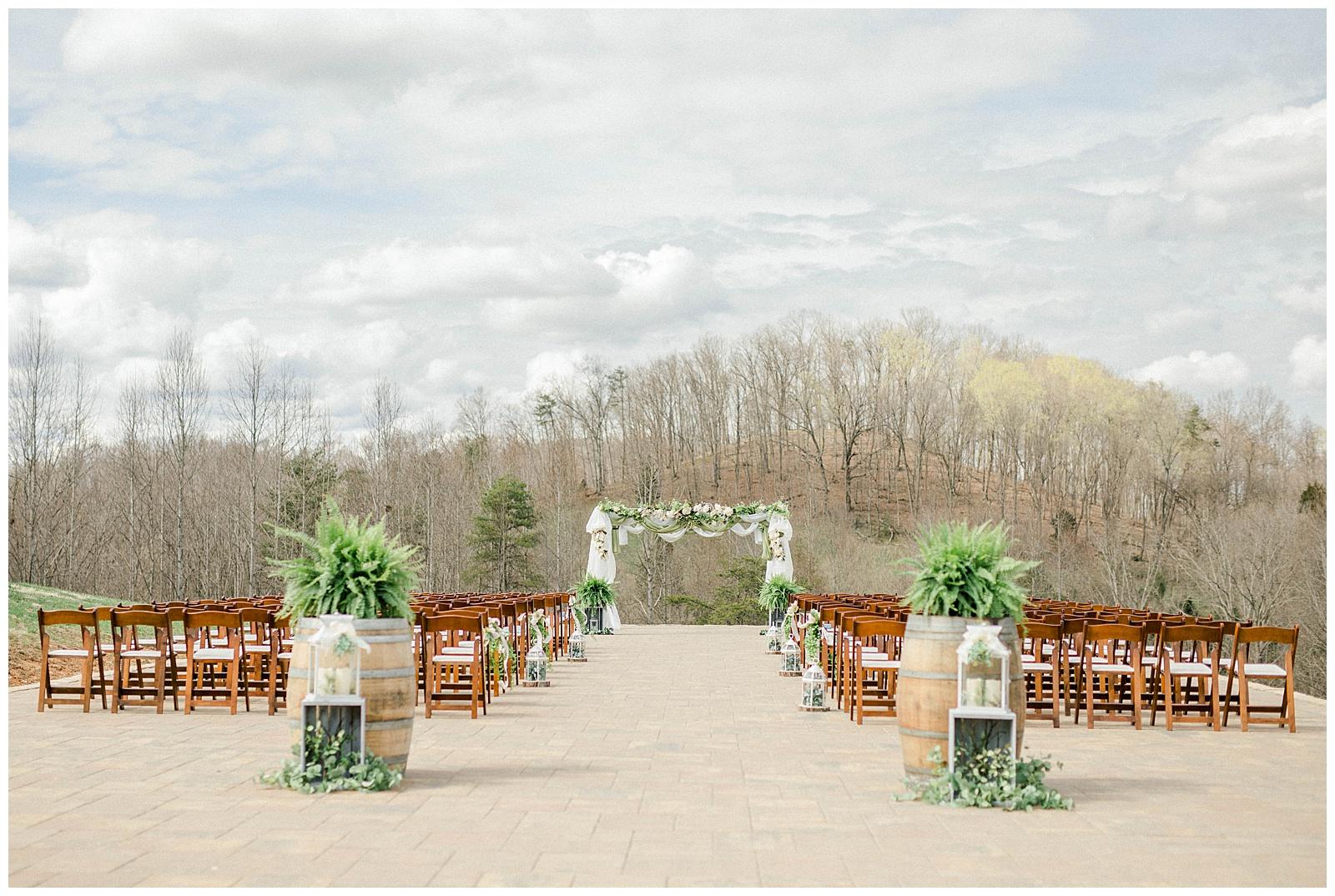 Lewis-Kara-Blakeman-Photography-Huntington-West-Virginia-Wedding-Barn-Olde-Homestead-21