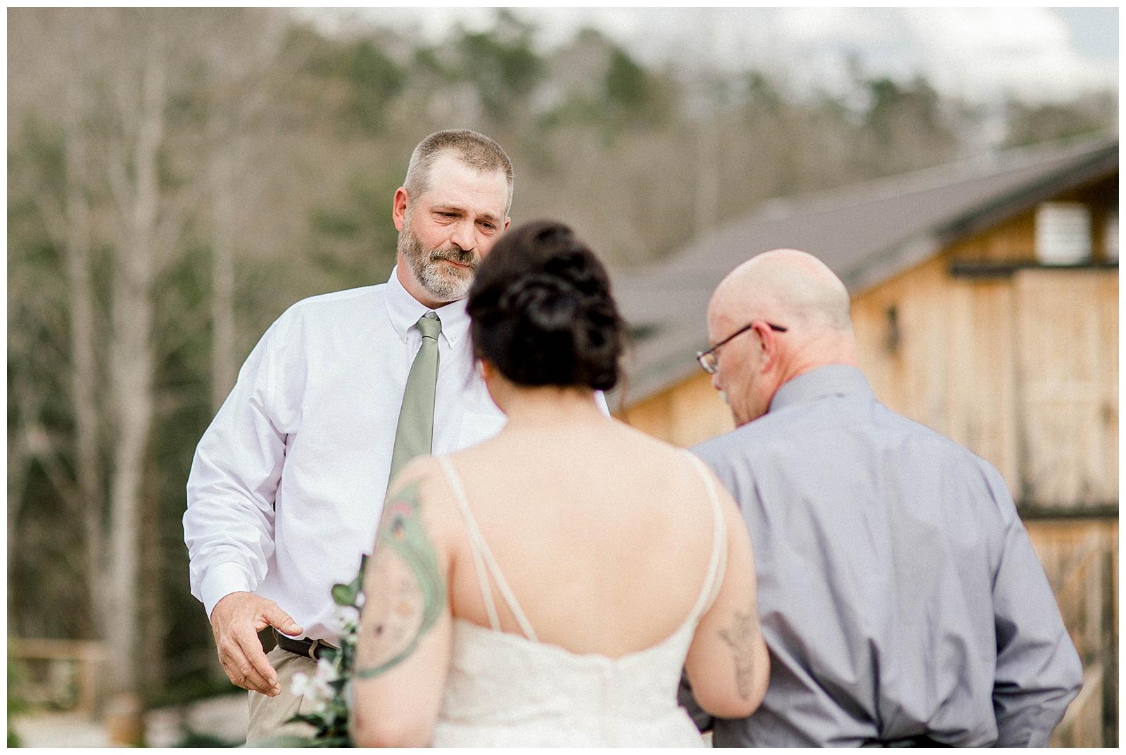 Lewis-Kara-Blakeman-Photography-Huntington-West-Virginia-Wedding-Barn-Olde-Homestead-24