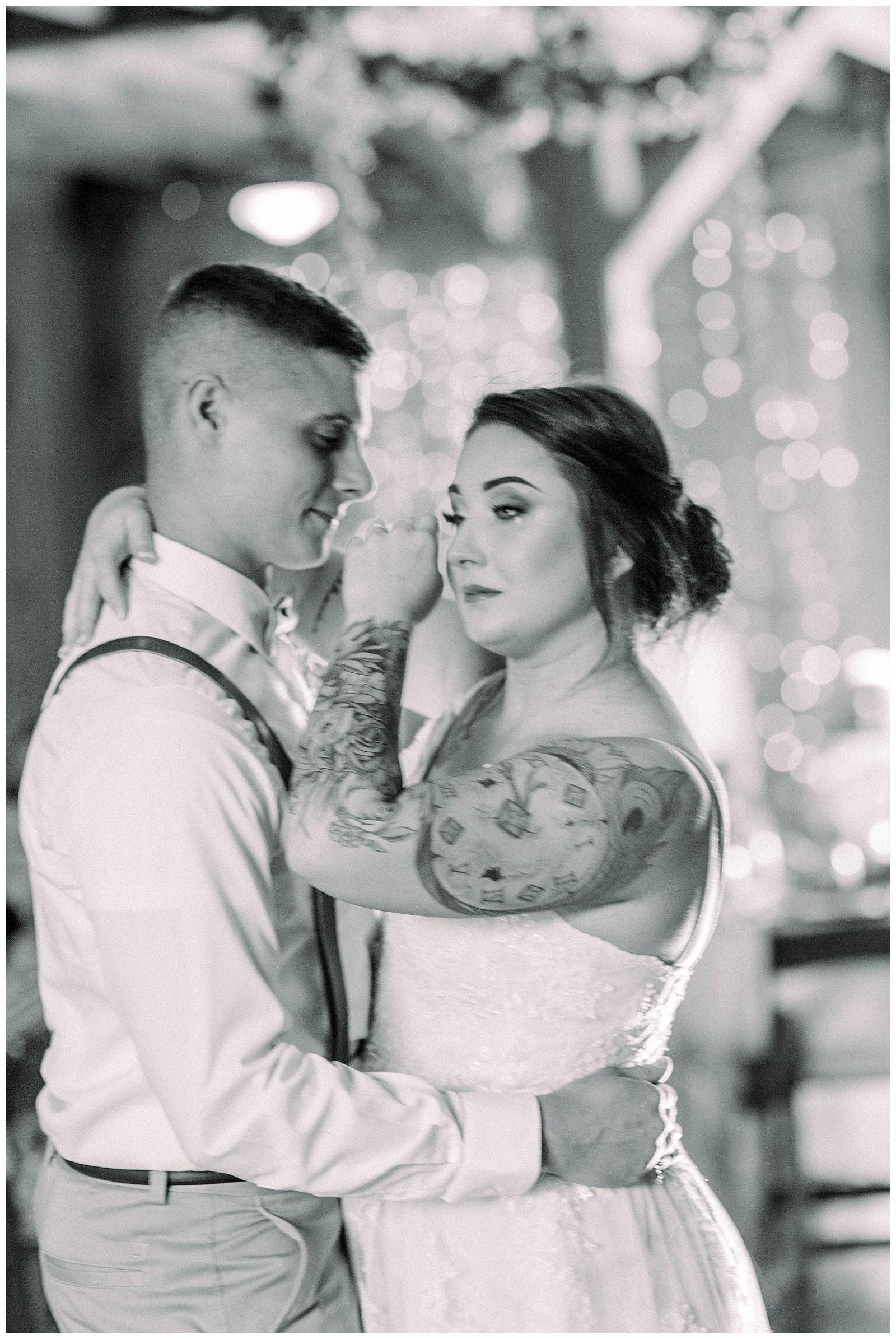 Lewis-Kara-Blakeman-Photography-Huntington-West-Virginia-Wedding-Barn-Olde-Homestead-56