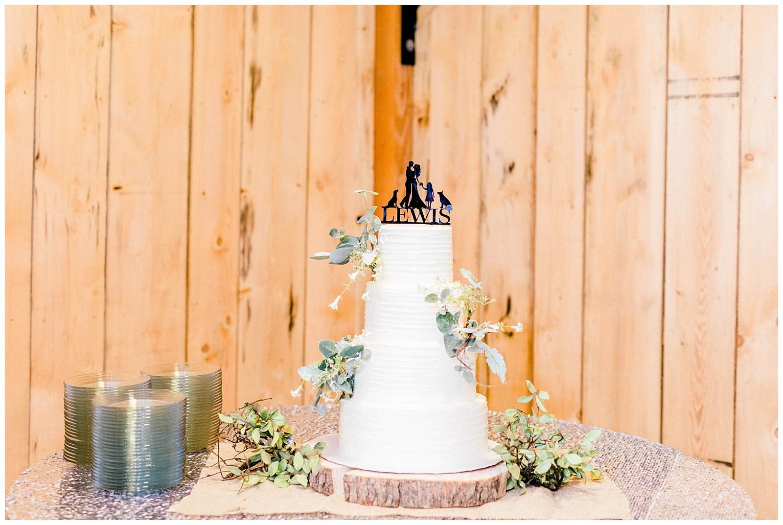 Lewis-Kara-Blakeman-Photography-Huntington-West-Virginia-Wedding-Barn-Olde-Homestead-61