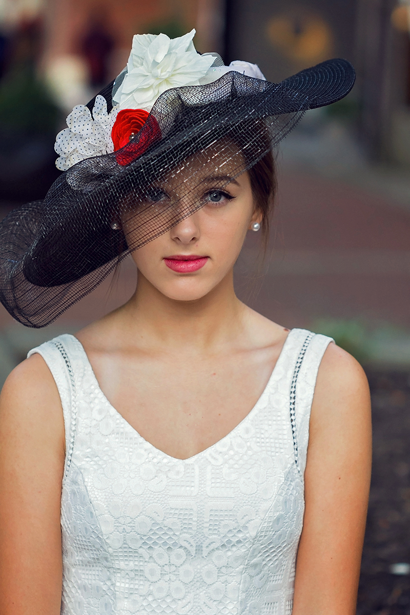 Audrey Hepburn styled session girl with big hat.jpg