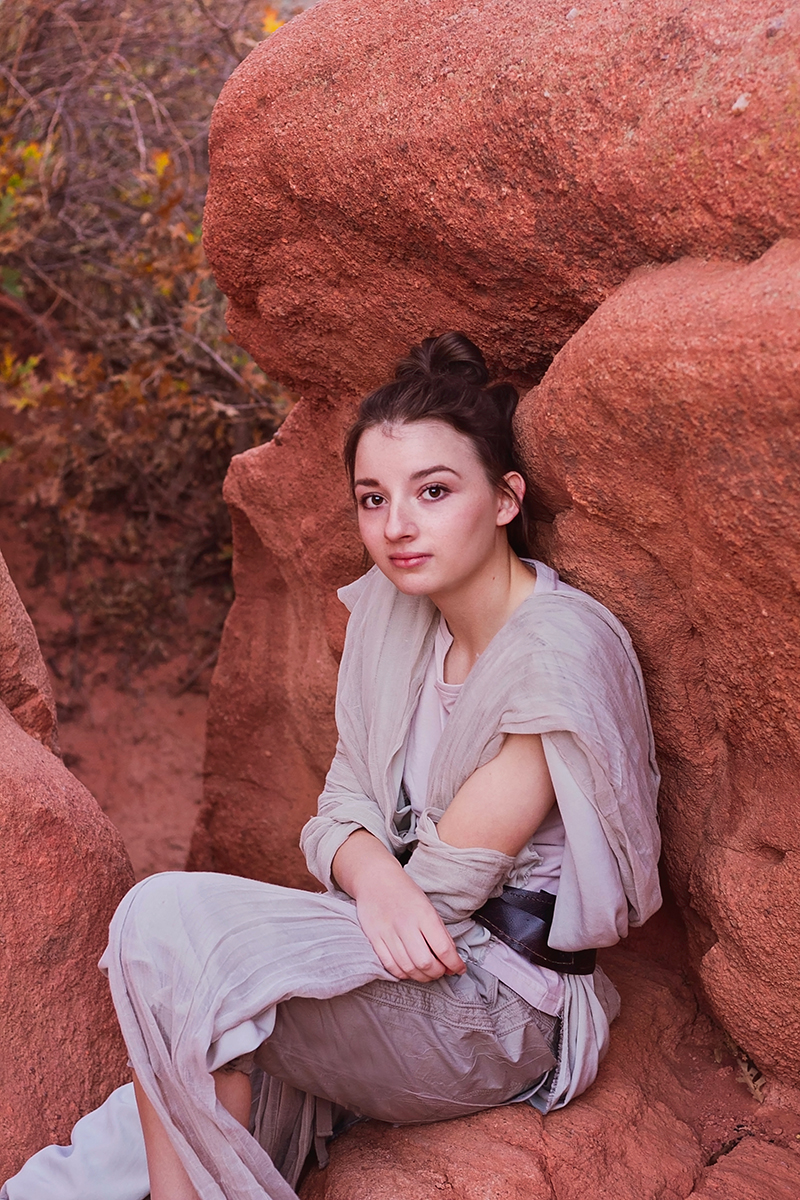 JSP Star Wars Styled Session Rey under a rock.jpg