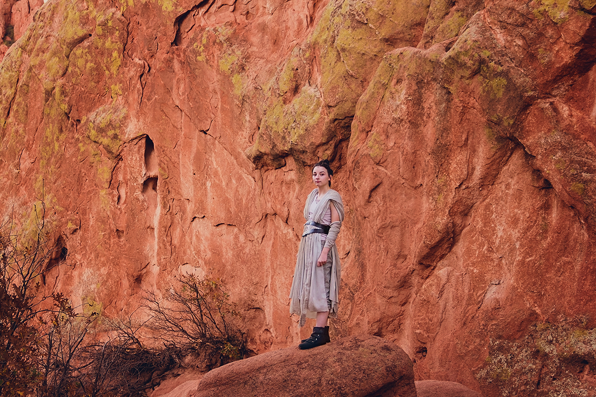 JSP Star Wars Styled Session Rey on the rocks.jpg