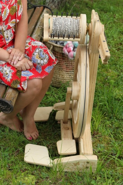 Learn about the wheels seen in this course - feel free to email me with any questions Erin@craftyhousewifeyarns.com