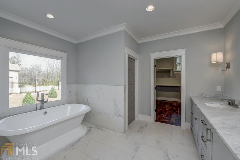 Master Bath.jpg