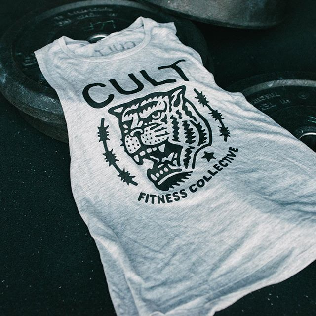 Women's Cult Tiger Muscle Tee 🐯