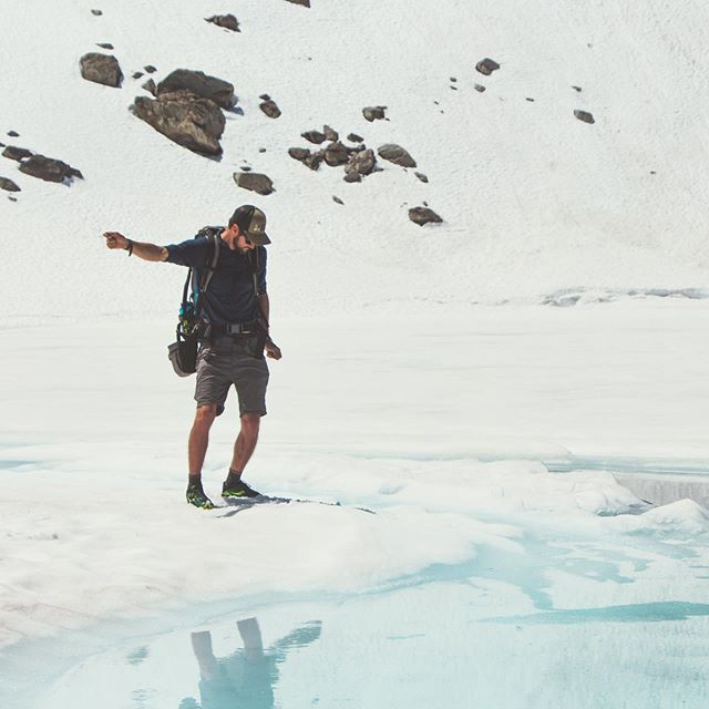 Groovin' into the weekend 🕺🏼 #idaho #stanleyidaho #sawtoothmountains #hiking #backpacking #stoneglacier #upperleftusa #alpinelakes