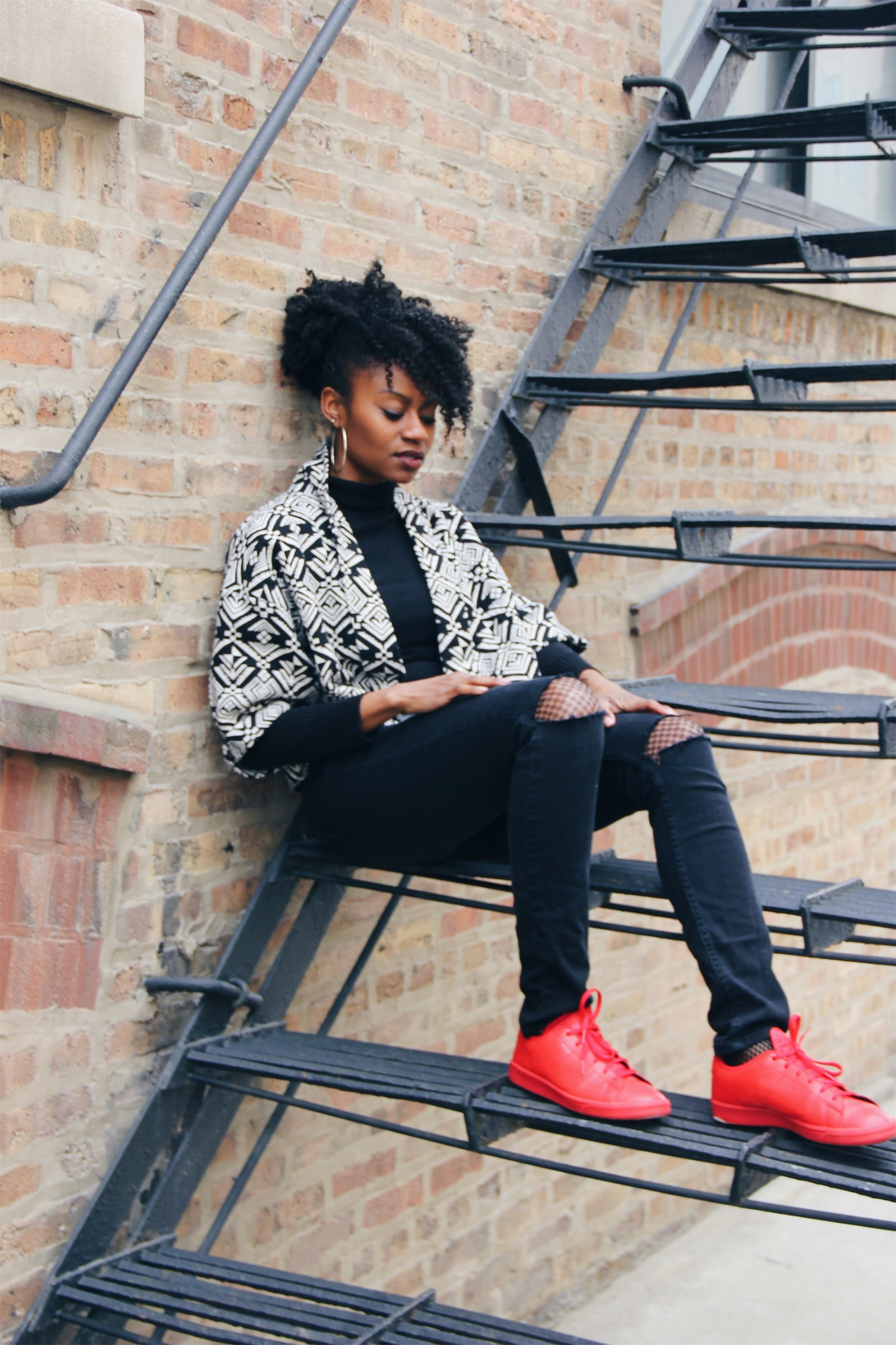 black and white kimono black distressed jeans all red sneakers fishnet tights