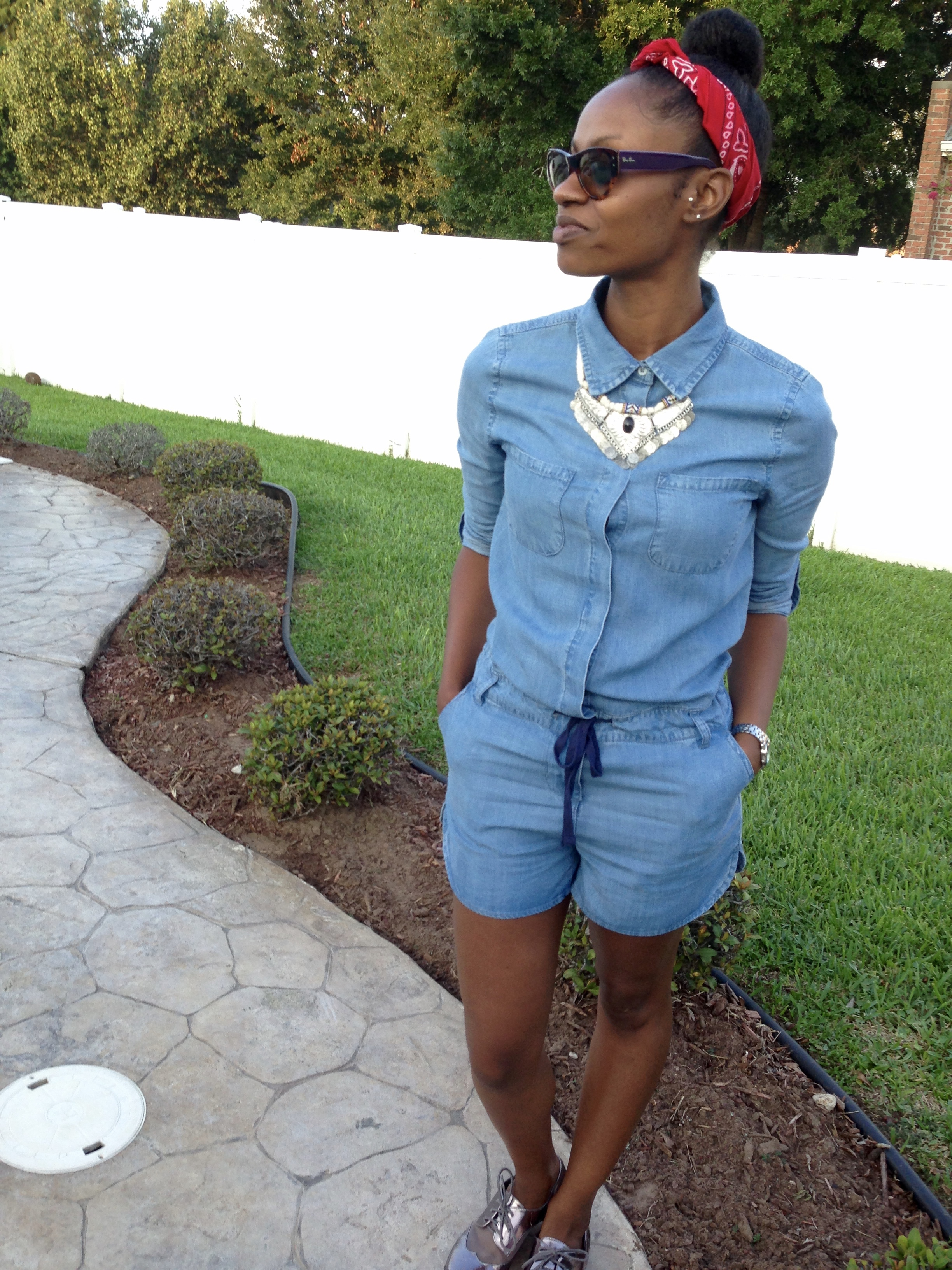 denim romper outfits for non-shoppers and busy shoppers