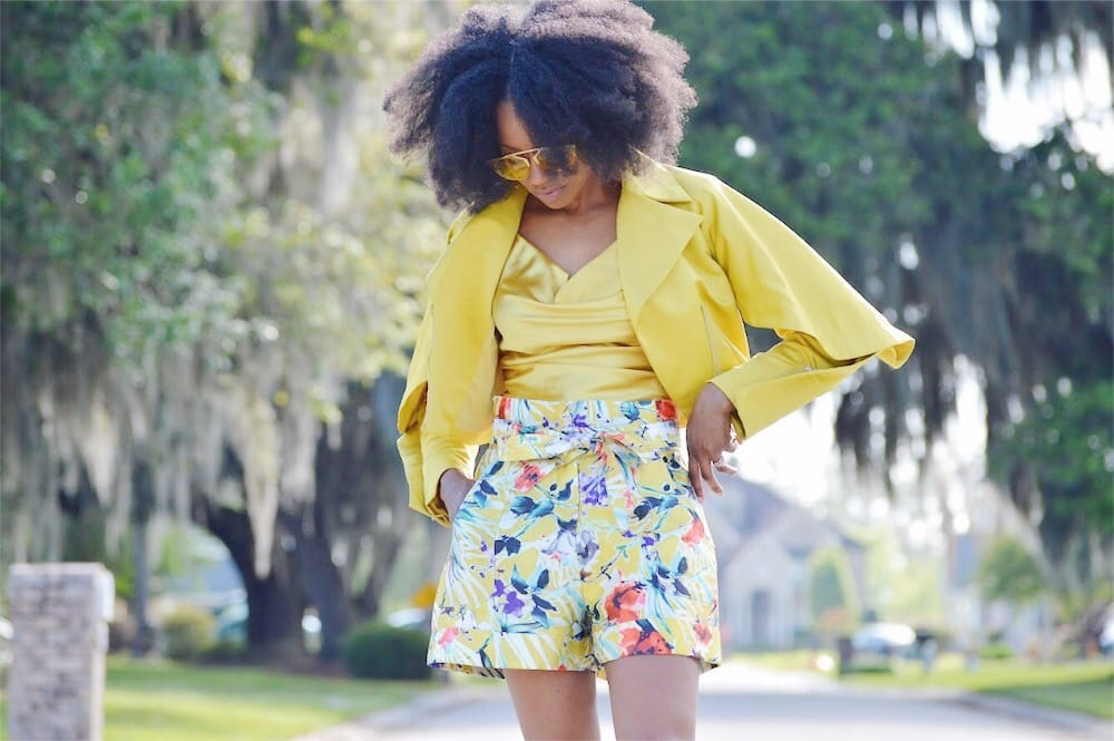 monochromatic yellow outfit