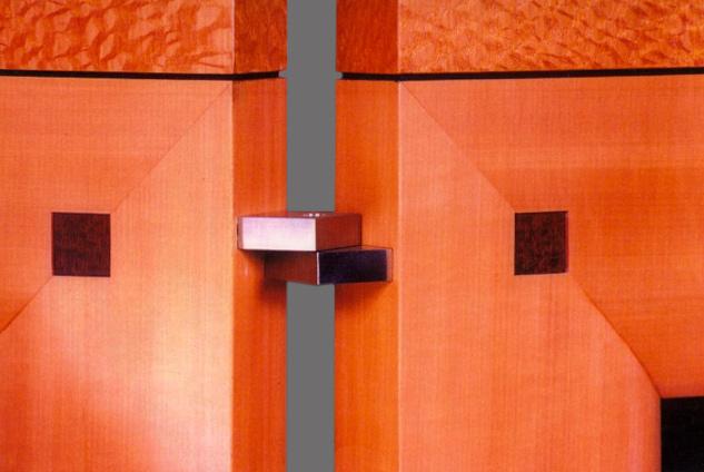 Photo-ScreenHinge-Detail.jpg