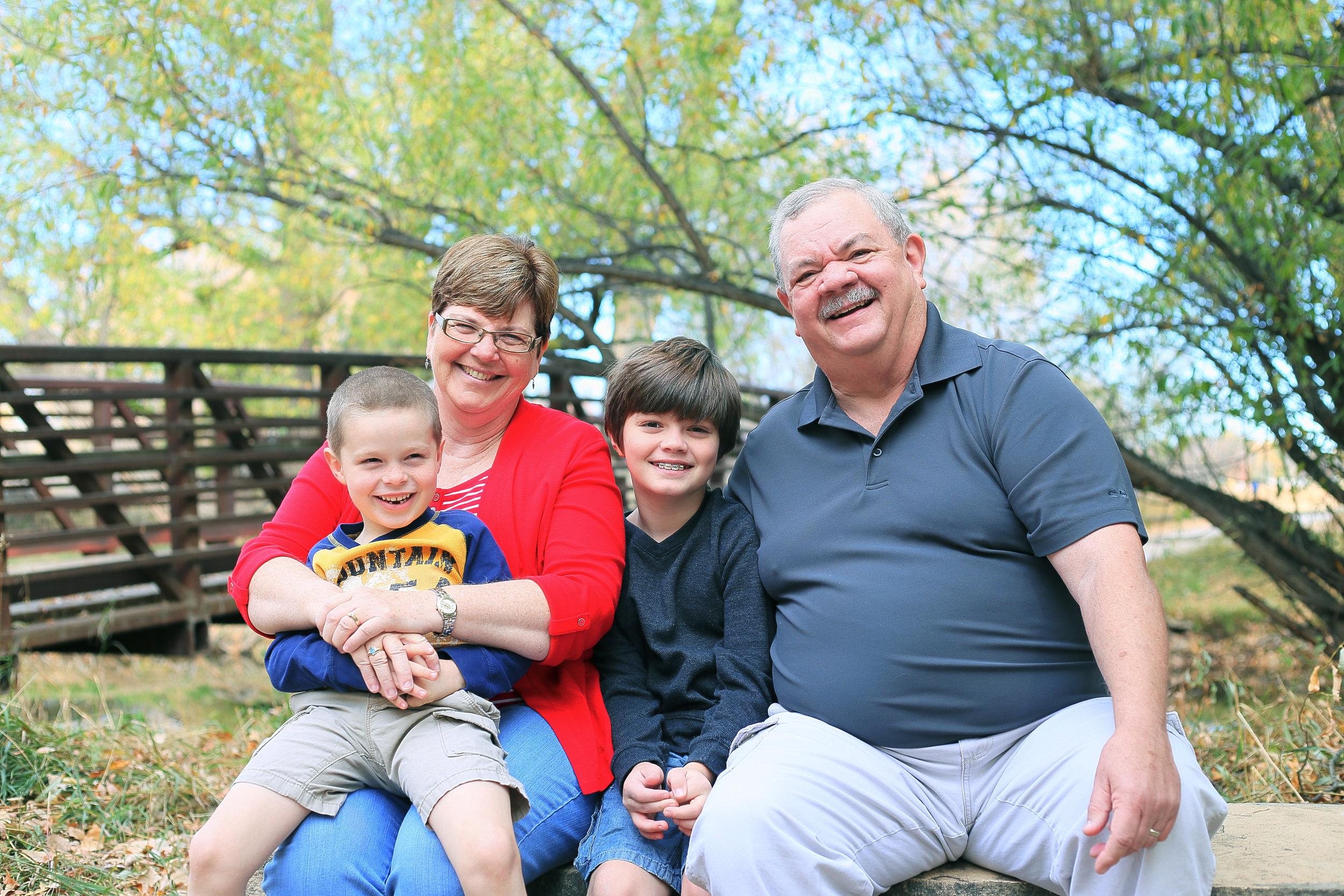 2016-10 Jones kids and grandparents 43.jpg