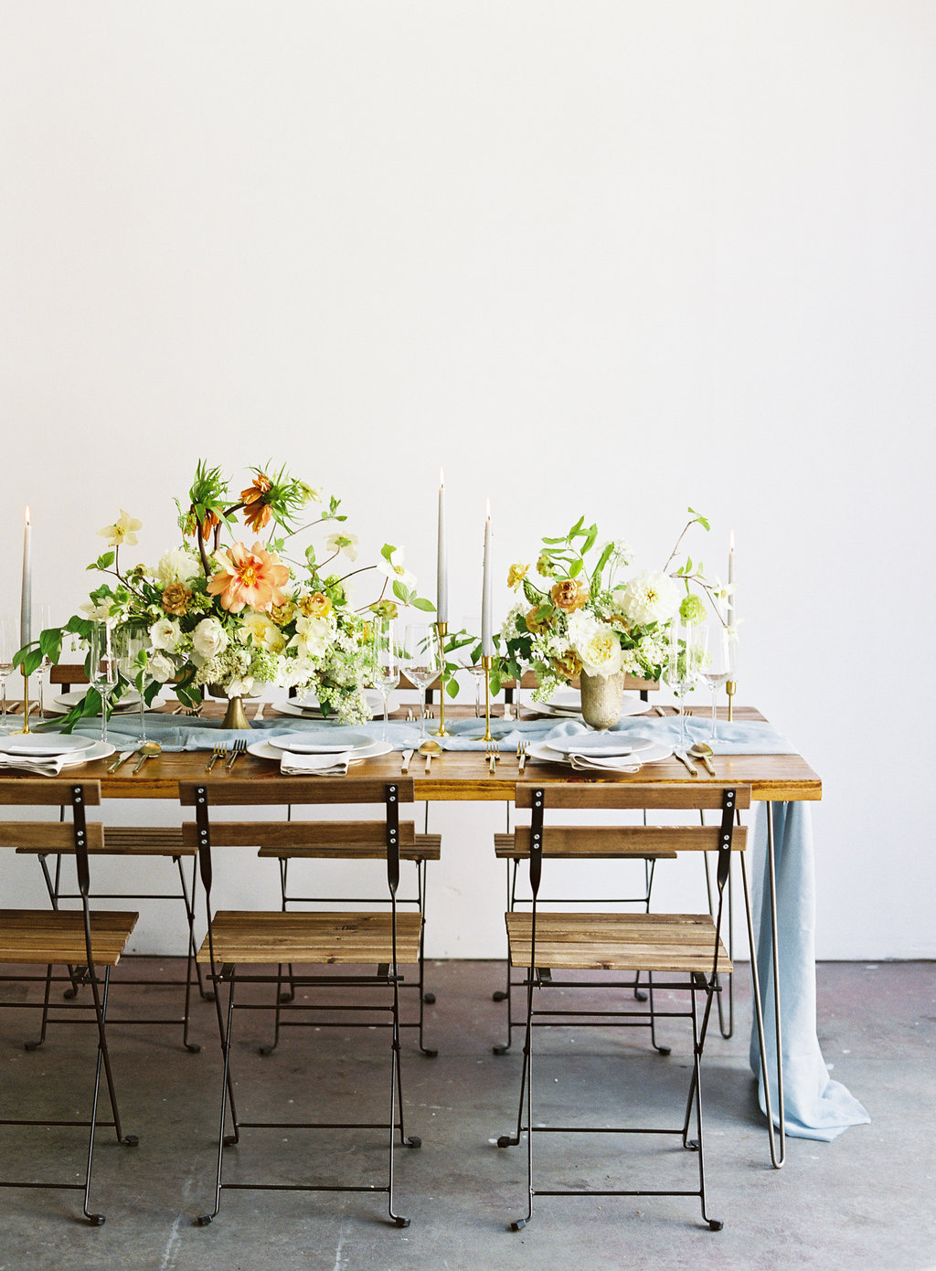 Modern, elegant summer reception table inspiration. Summery Wedding Inspiration. Nathalie Cheng Photography. Natalie Choi Events.
