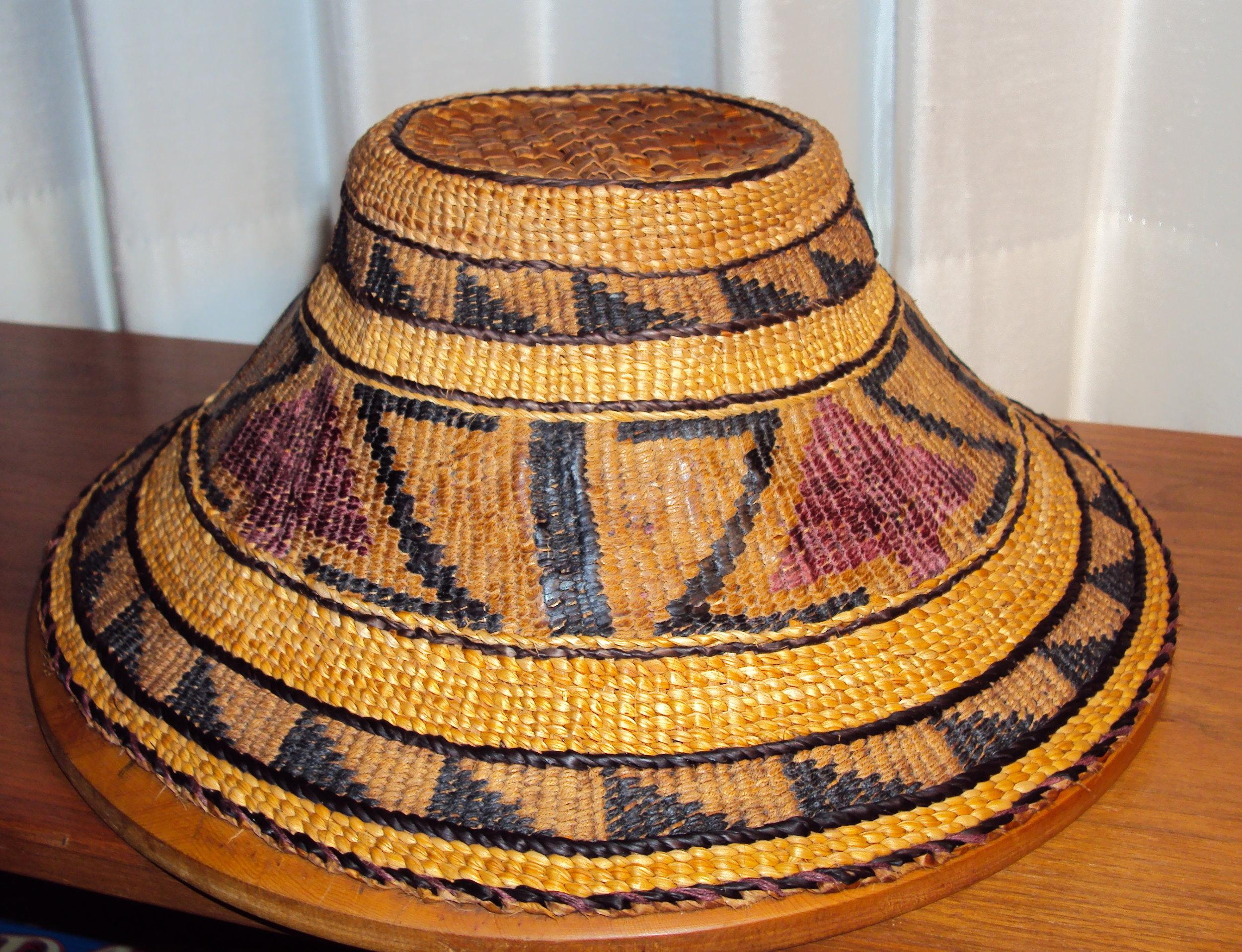 Cedar Hat with Bear Tracks