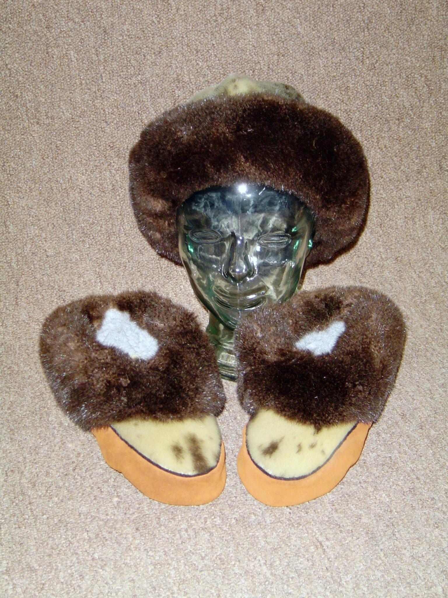 Fur hat & slippers