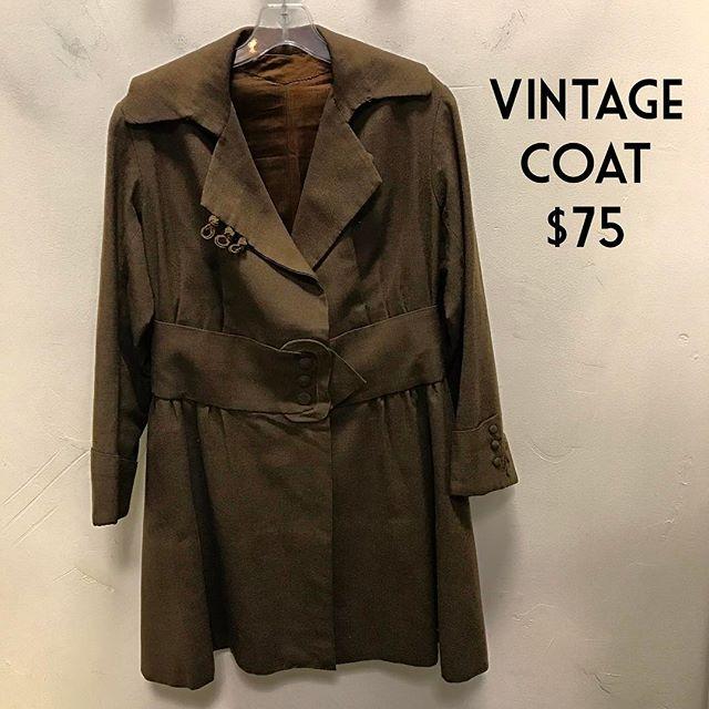Vintage Coat $75 #chicenvy #fairfaxcorner #fashionista #forsale #fairfaxcorner #consignment #coat