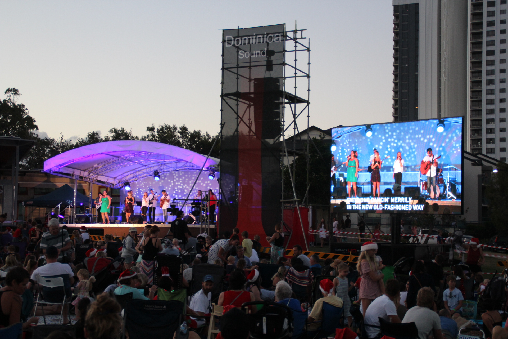 Vision - 13 LED Screen Solution