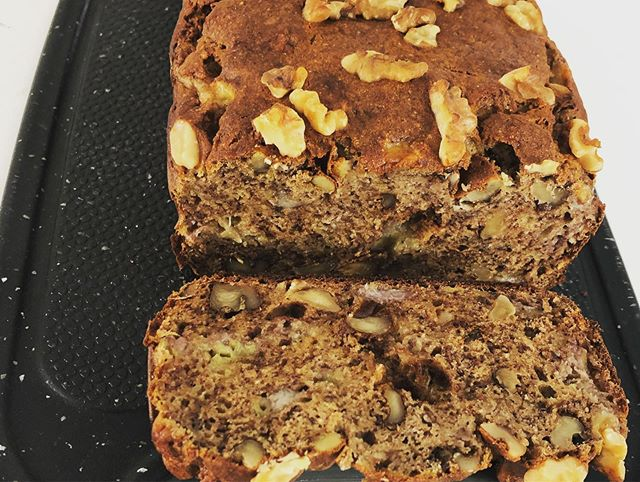 Heading into the weekend with a fresh baked banana bambara walnut loaf. Can you say yum? For the perfect afternoon snack top with a little ghee😋🍌🥜🍞 Bambara flour can be easily be substituted in any of your favorite recipes and pairs especially well with bananas thanks to it's nutty flavor profile. Order a bag using the link in our bio and try for yourself!  Recipe: •  5 very ripe bananas, mashed • 1 egg • 1 tsp vanilla extract • 1 1/2 cups bambara flour • 2 tsp maca powder (optional) • 1 tsp baking soda • 1/2 tsp ground cinnamon • 1/8 tsp sea salt • 1/2 cup raw walnuts, chopped • Add in other items as desired (chocolate, raisins, peanut butter)  Preheat oven to 350 degrees and line a loaf pan with parchment paper. Combine wet ingredients and set aside. Combine dry ingredients then add into wet ingredients. After well combined, carefully fold in walnuts etc. Transfer into loaf pan and bake for 45-55 minutes.
