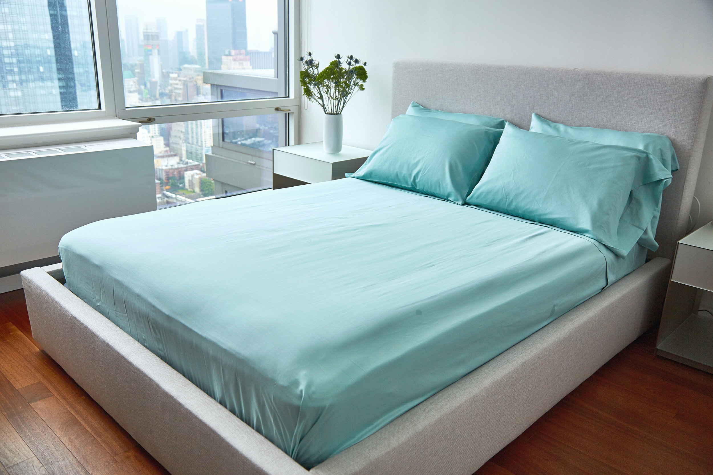 UN_FARM_TO_HOME_BED_SHEETS_SEA_GLASS1118_XRET.jpg