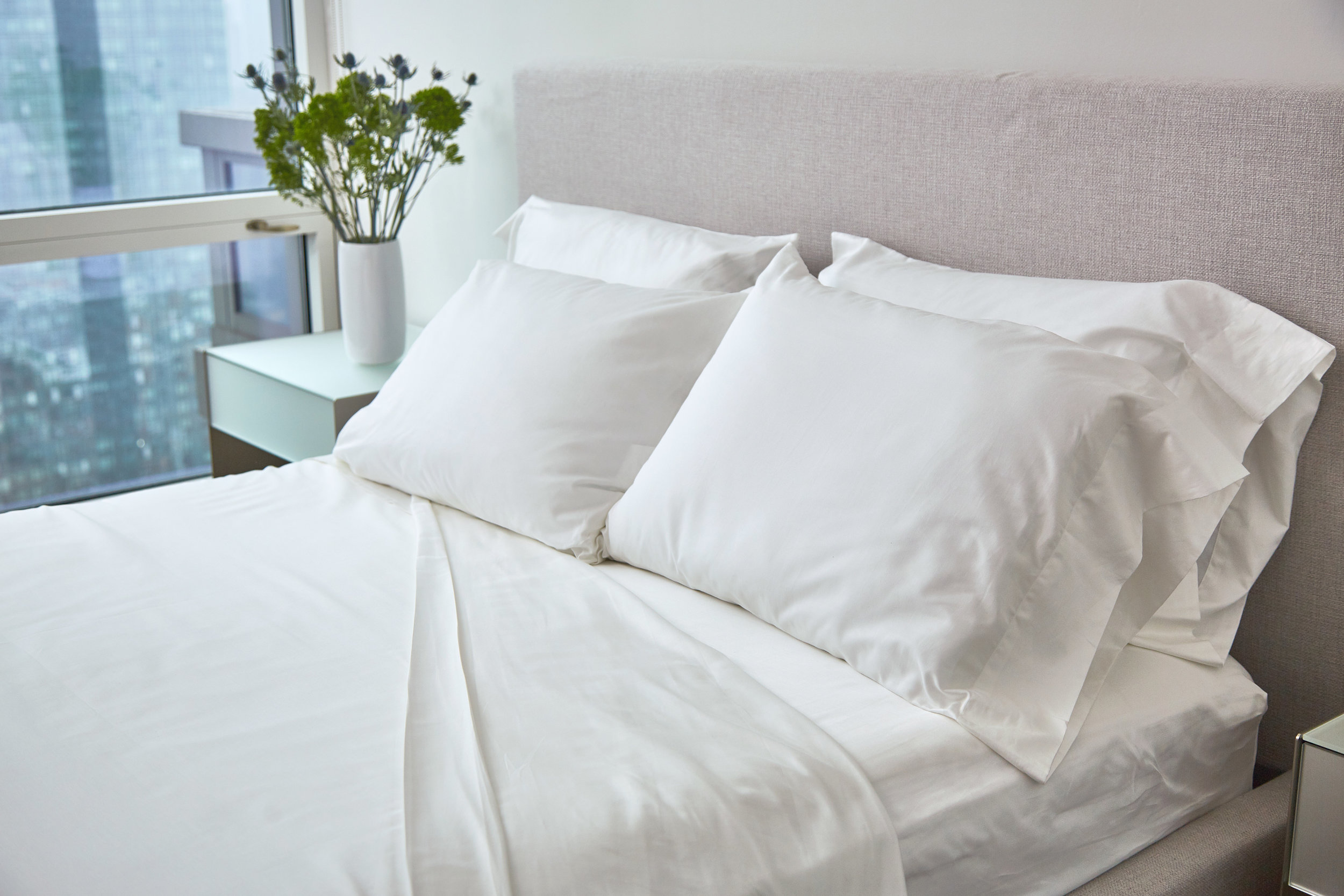 UN_FARM_TO_HOME_BED_SHEETS_WHITE1110_XRET.jpg