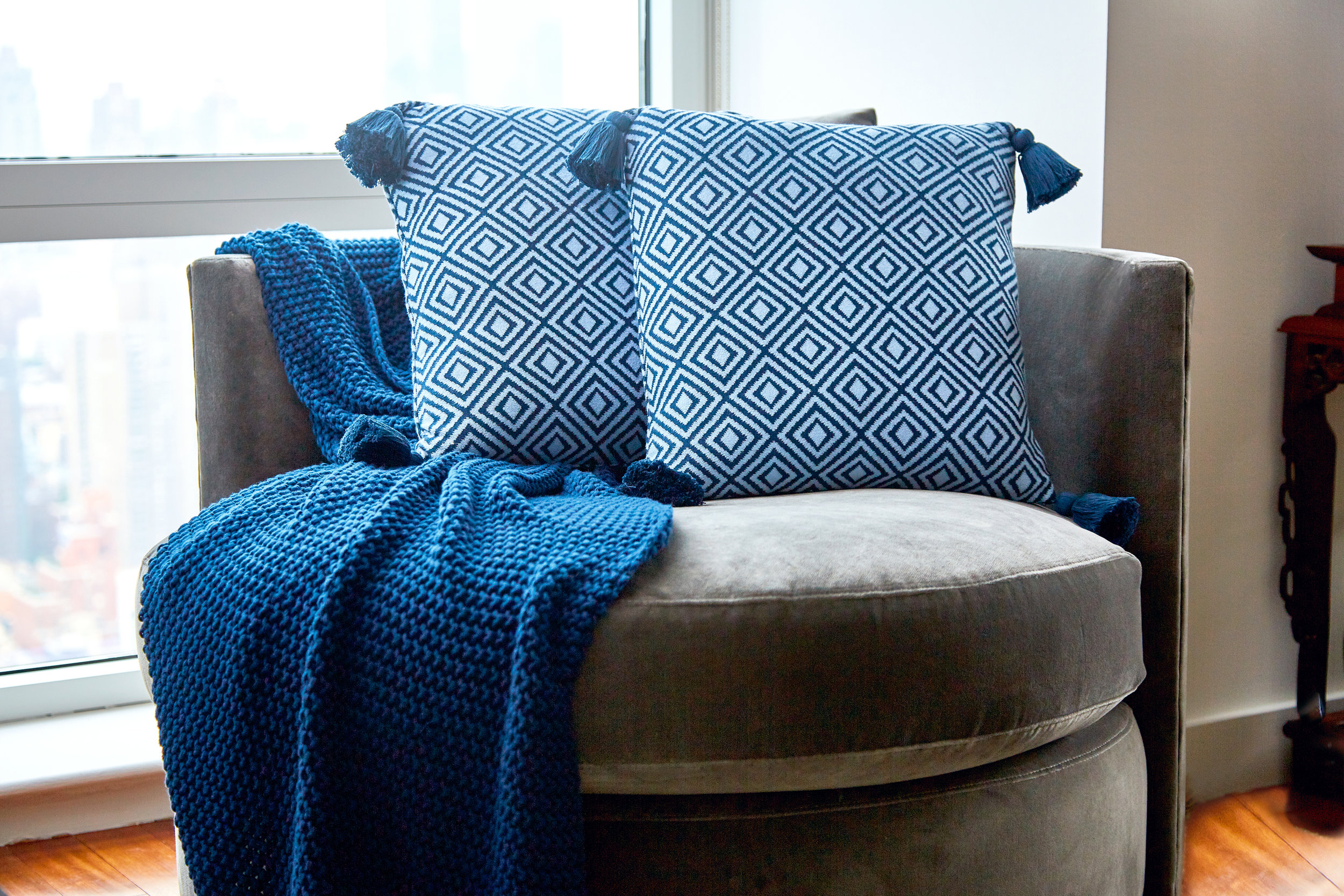 Farm-to-Home_Throw-and-Pillows0839_xret.jpg