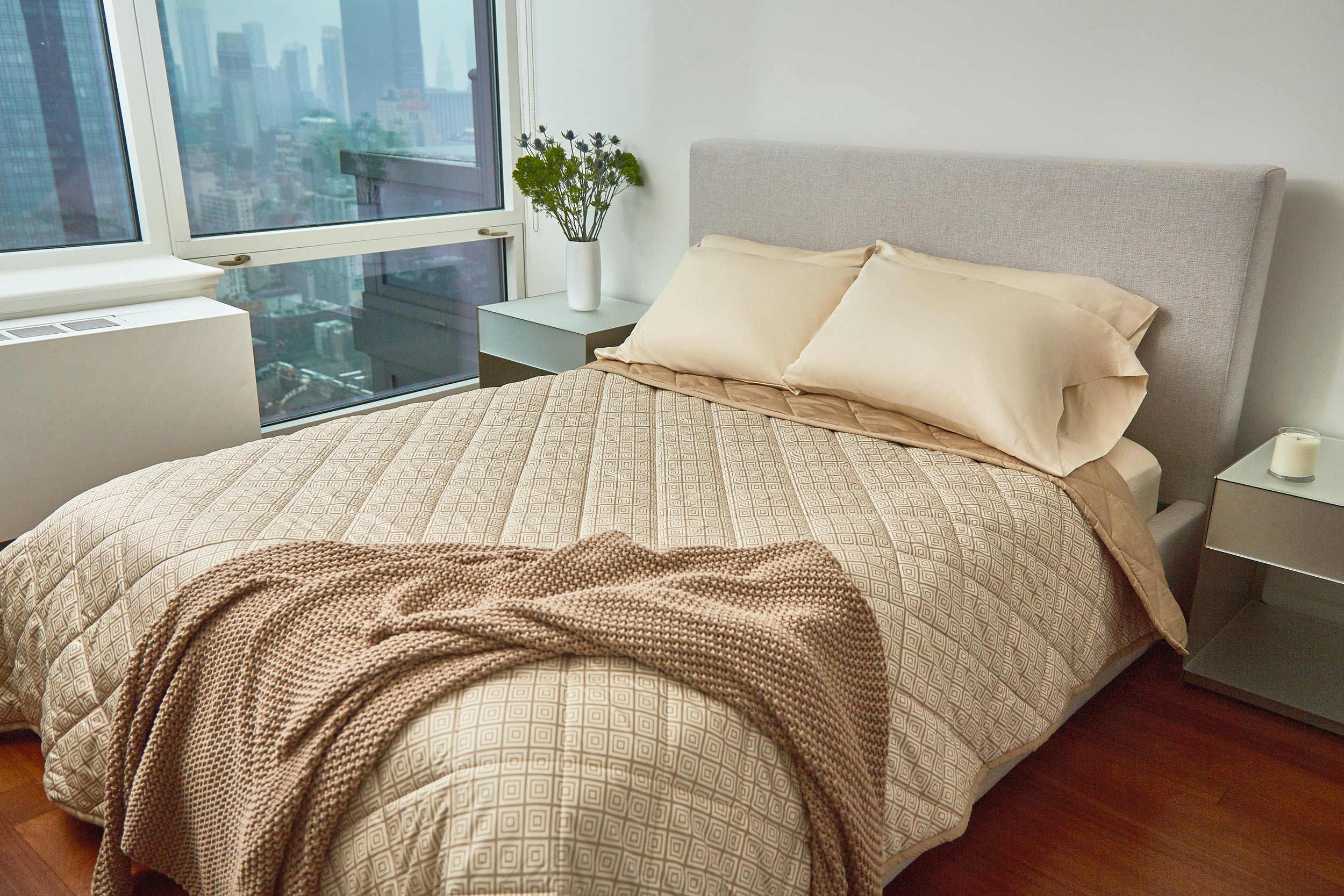 Farm-to-Home_Comforter-sand-chestnut-soul1361_xret3.jpg