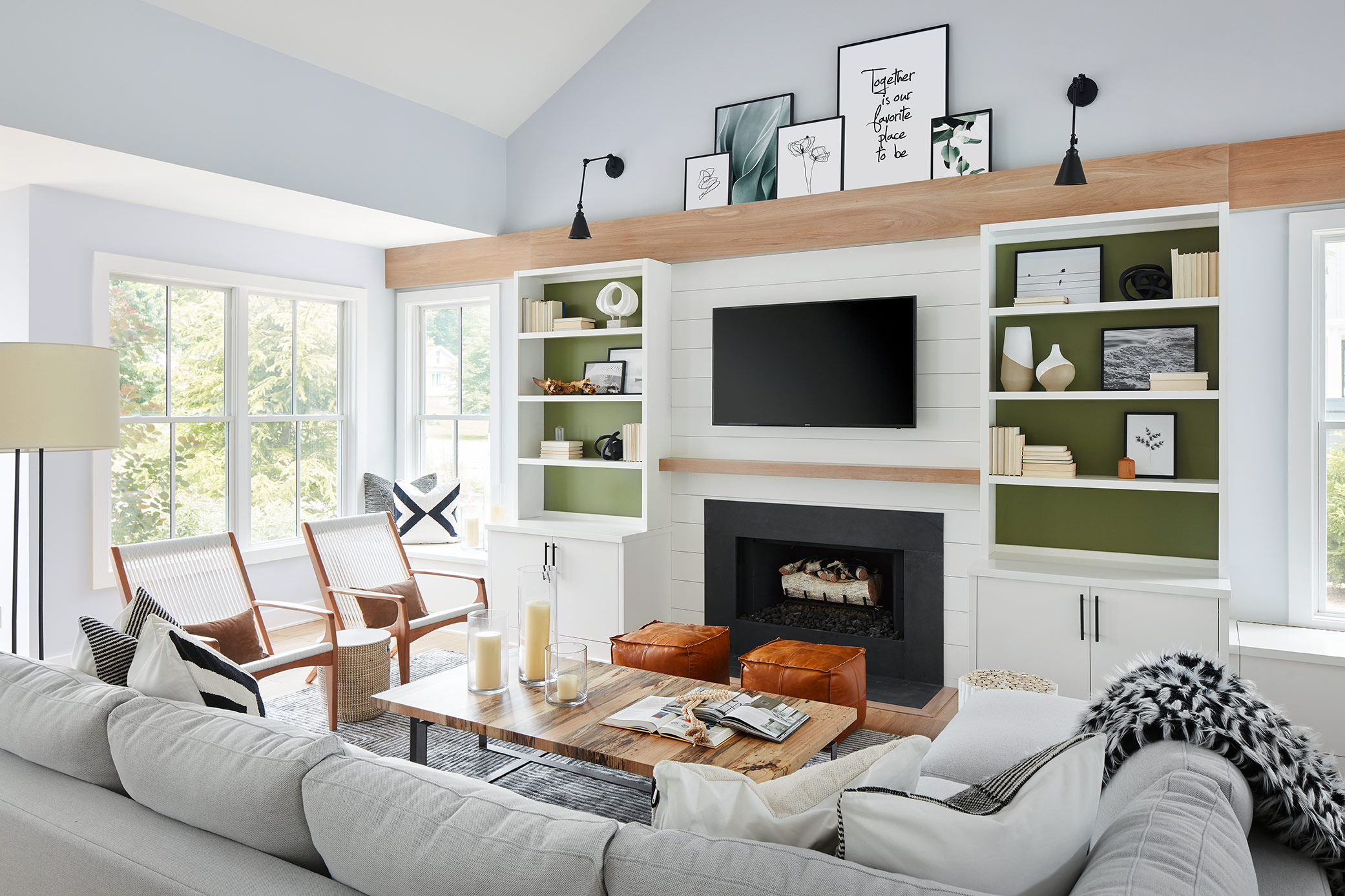 MICHIGAN LAKEHOUSE - MODERN, ECLECTIC AND INVITING