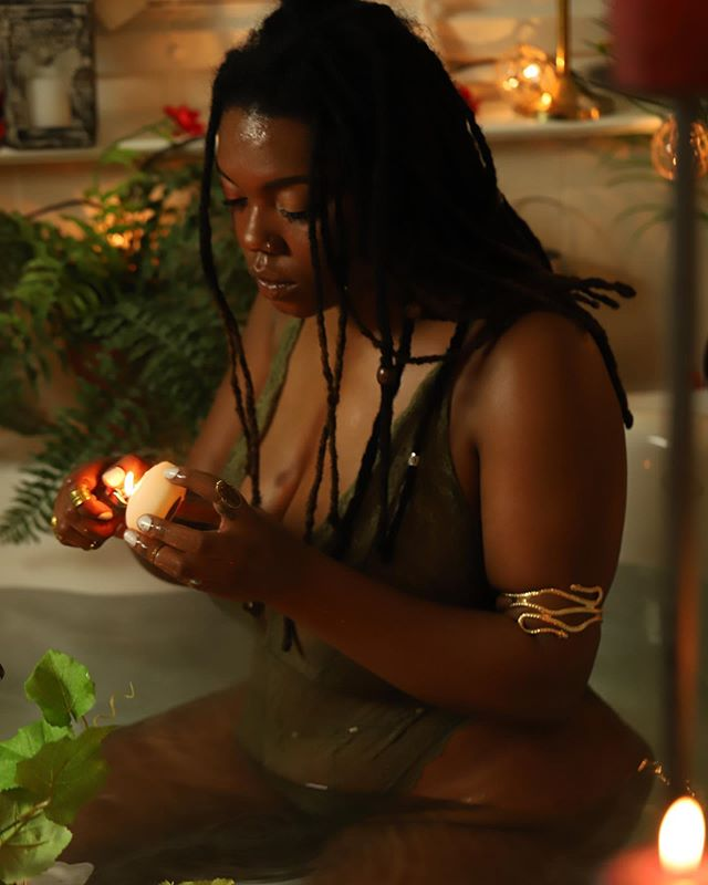 Light a #candle, set your #intentions, live your #dreams 🙌🏾🙌🏾🙌🏾 I've pretty much become a brand new person these past (almost) two years. I feel great! I wanna #encourage everyone out there to seek out your #happiness!! It's not gonna come to you, you gotta go get it! 🌻  For me it was doing things I've never done before. Skateboarding, buying a van, making new friends, and doing a lot of traveling. 🤙🏾 I was scared when I quit my job but it was the BEST DECISION EVER!! Take #RISKS Don't think, just DO!! Now go be #GREAT!! #あなたの夢を生きる #危険を冒します #LEASHA #リアシヤ
