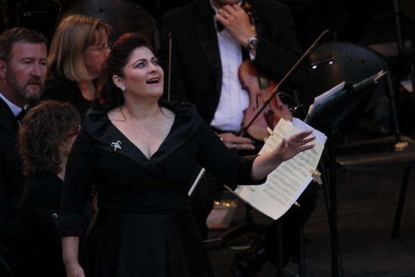 Sally Silver - Operatic Soprano