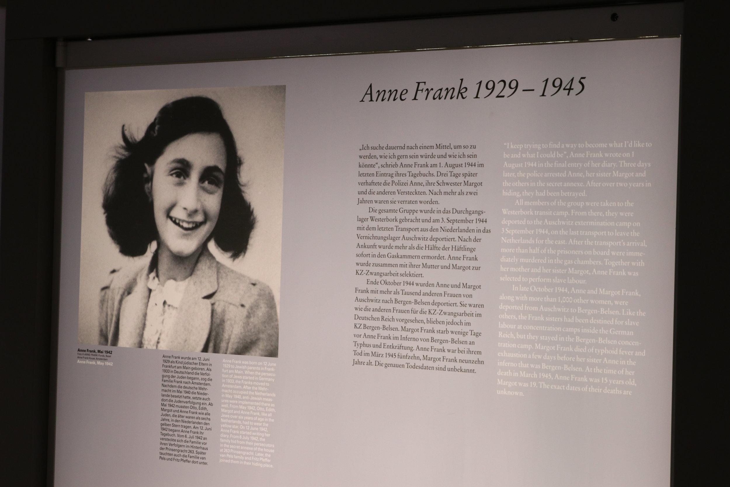 Anne Frank kwam kort voor de bevrijding van Bergen-Belsen om het leven, toen de omstandigheden het slechts waren.
