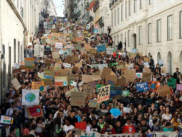 student-climate-protests-portugal-2019-03-15t131947z-871907694-rc18258cbec0-rtrmadp-3-climate-change-youth-portugal.jpg