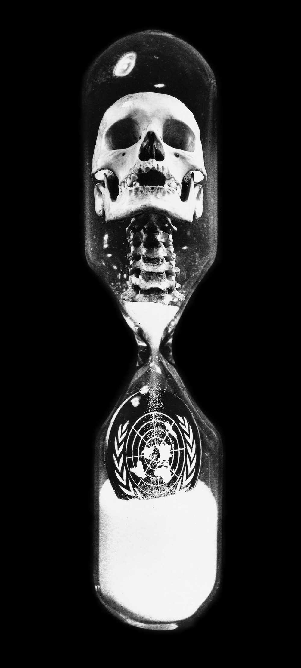Hourglass - PhotomontageGelatin silver printsand ink on card1991First published:The Guardian, 14th Jan 1991Catalogue: PK/23