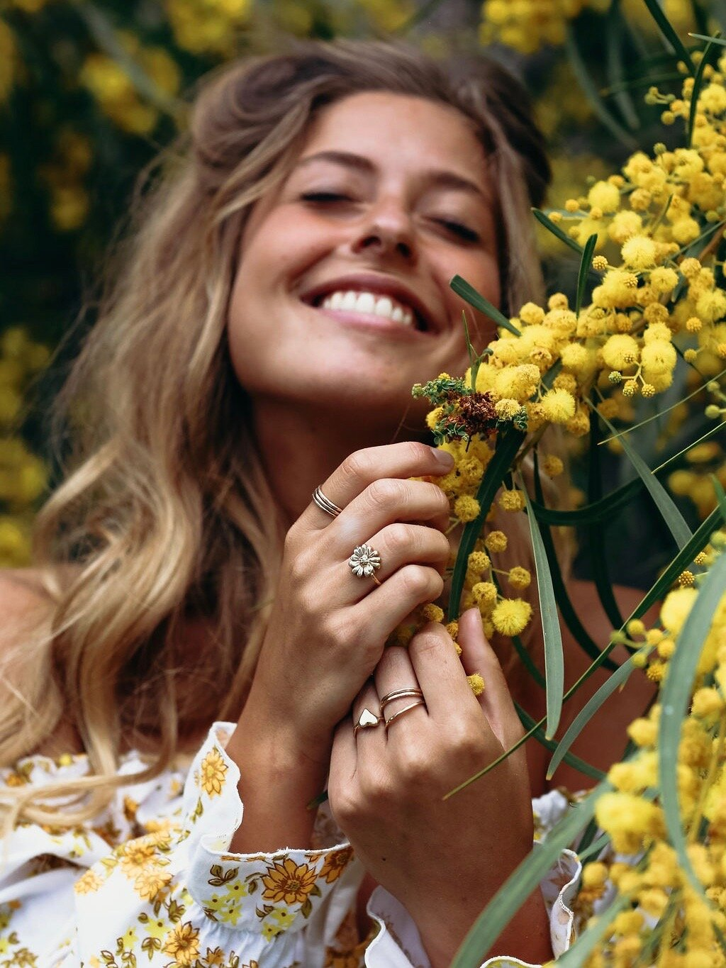 gold-daisy-ring-bloom-two-in-the-sun4.jpeg